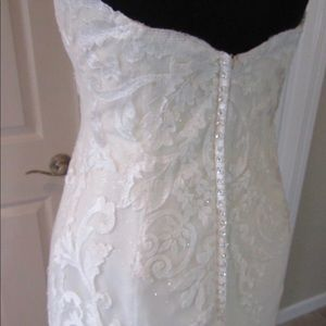 Dresses - Wedding Gown. Size 12